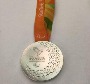 「リオパラリンピックの銀メダル」
