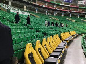 座り心地満点のRECAROスタジアムシート