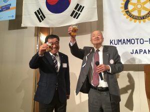 後藤会員のお声掛けで日韓共同で乾杯!건배!