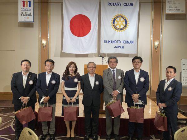 10月の誕生日 宮脇会員、山田会員、吉野会員、松尾会員、増永(創)会員、倉松会員